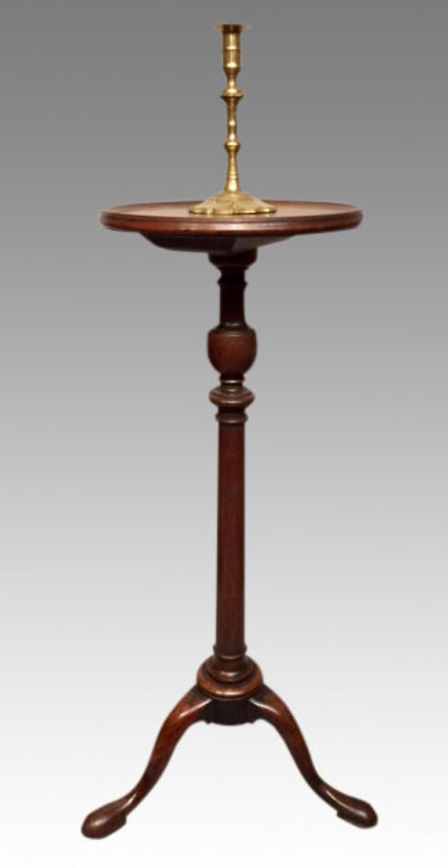 Georgian mahogany candlestand.
