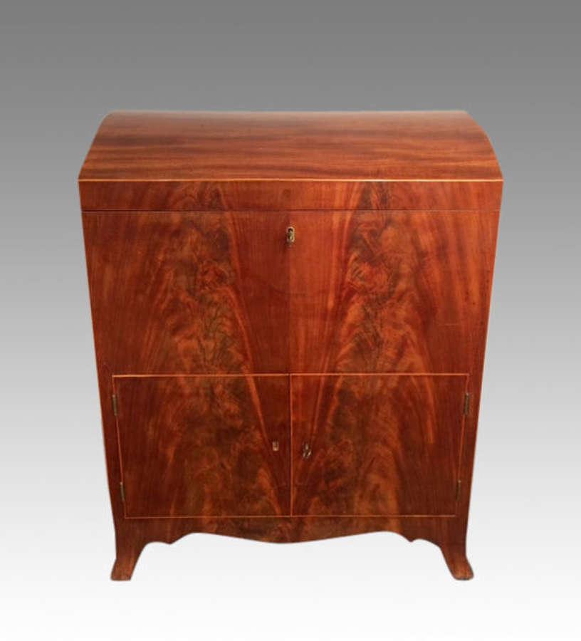 A Sheraton antique mahogany cellarette.