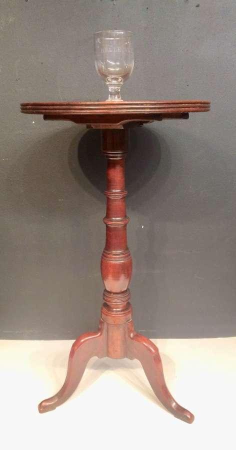 Small Georgian mahogany dish topped lamp table.