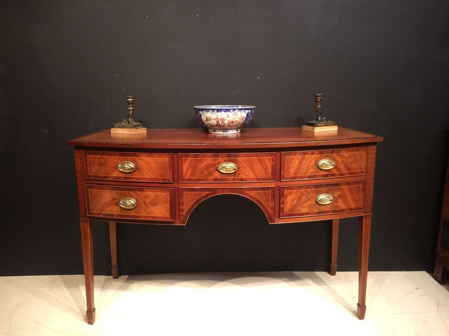 19th century mahogany bow fronted sideboard/dressing table.